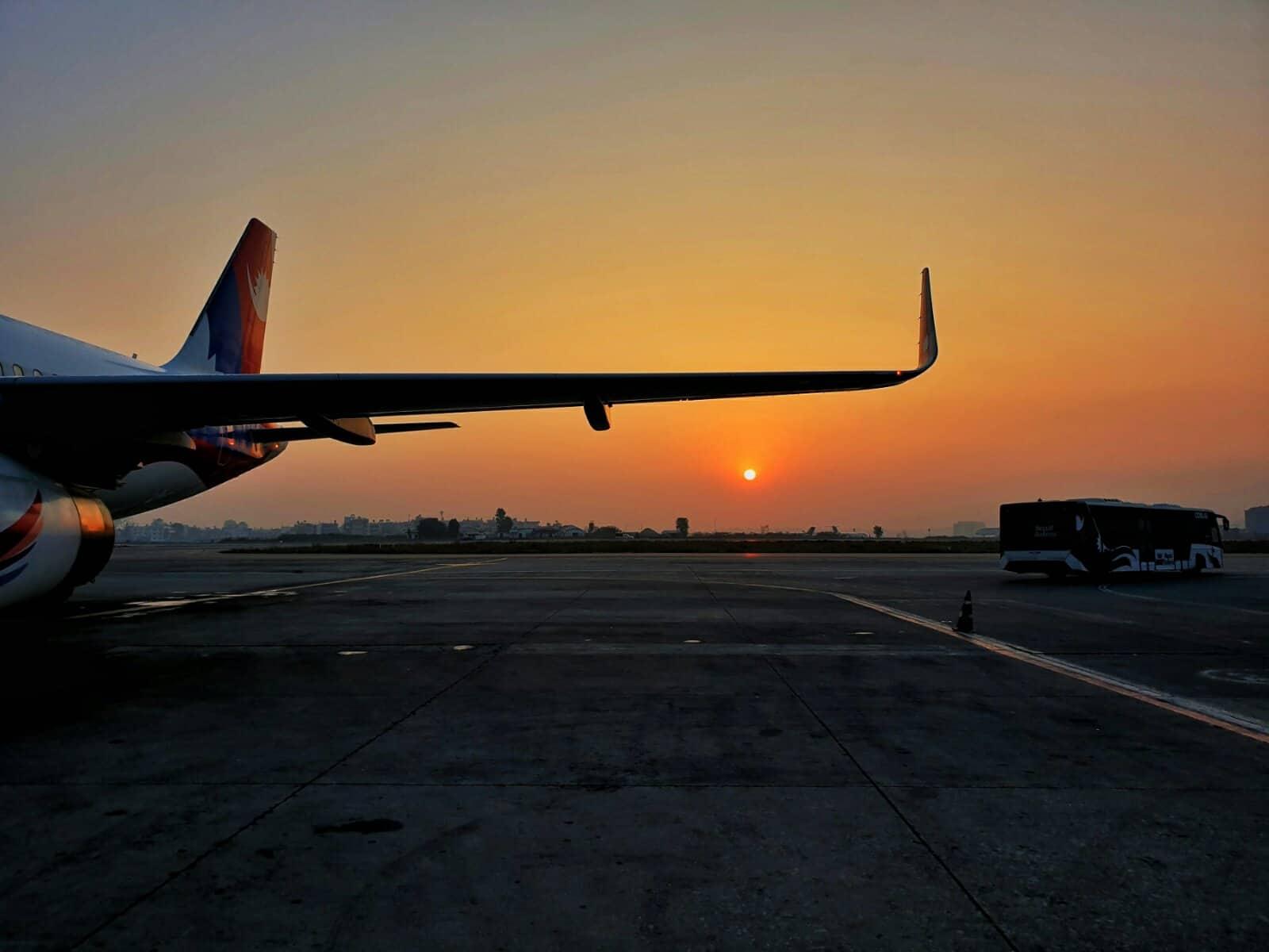 'नेपाल एयरलाइन्स' किन सधैँ पछाडि?